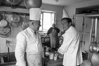TOGNAZZI-MENTRE-CUCINA-1965
